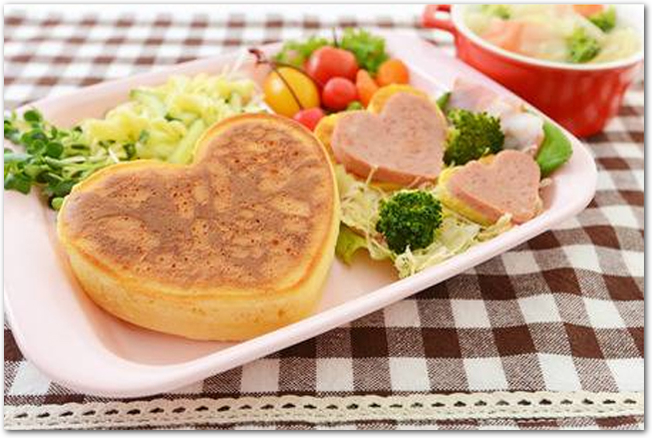 ハート型のパンケーキプレート