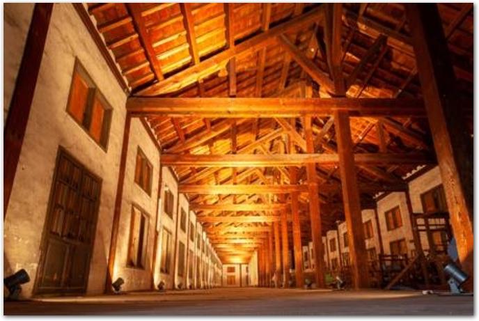 富岡製糸場の屋内